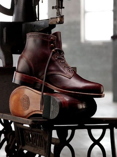 <> Wolverine 1000 Mile Boots