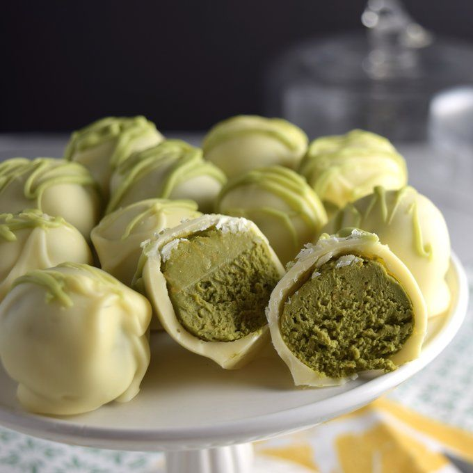 White Chocolate Matcha Cheesecake Truffles | Get Your Own Boutique Organic Matcha Today: http://www.amazon.com/MATCHA-Green-Tea-Powder-Antioxidants/dp/B00NYYVWFQ