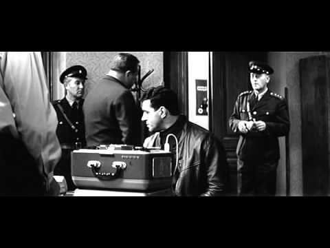Vrah skrývá tvář (1966) - YouTube