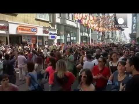 #Турция: полиция разогнала ежегодный гей-парад в центре Стамбула
