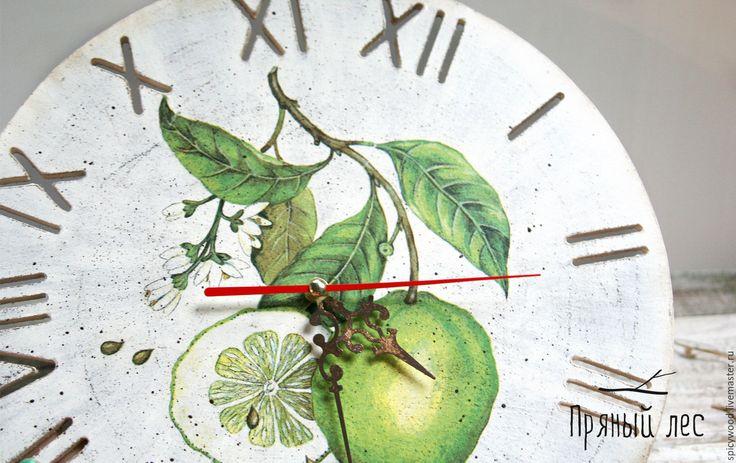 Купить Белые часы с лаймом - белый, часы, часы дерево, часы деревянные, деревянные часы