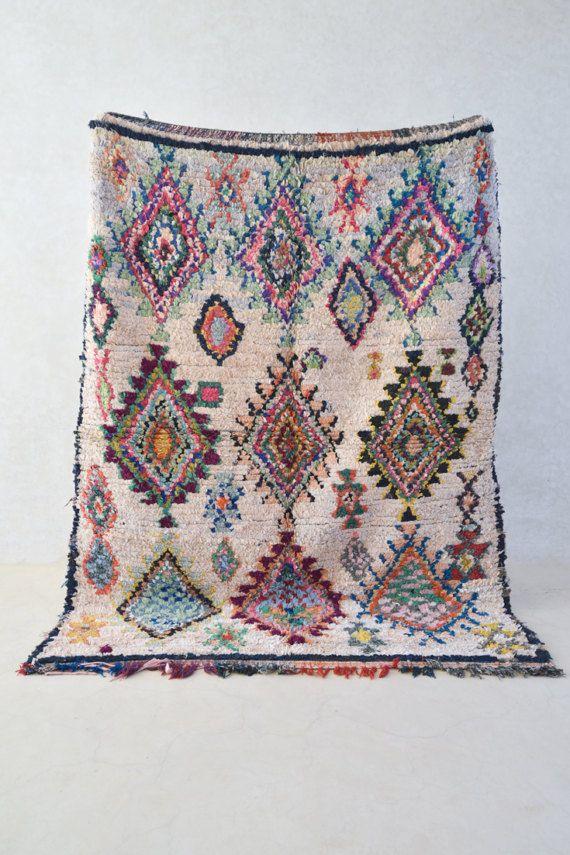 Hoi! Ik heb een geweldige listing op Etsy gevonden: https://www.etsy.com/nl/listing/501021988/boucherouite-vintage-marokkaans-tapijt