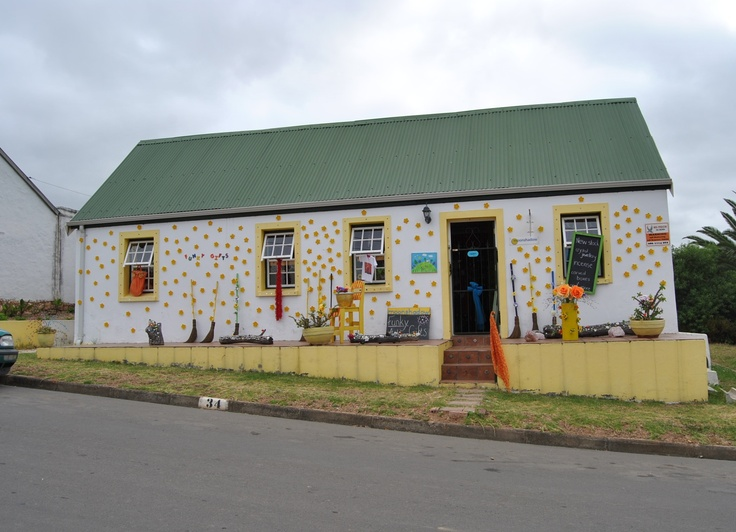 Moonshadow Gift & Coffee Shop, Swellendam, South Africa. Funky, unique, vibrant shop, lovely coffee garden and best (vegan!) cake in the world!