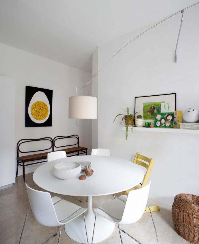 casa de diversión con una gran cantidad de materiales y colores contrastantes tiene también una pared de escalada en su interior - CAANdesign | Arquitectura y diseño principal del blog