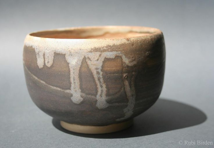 Wheel thrown wabi-sabi ramen bowl. White clay, brownish glaze, fired to cone 6. #wheel #thrown #pottery #handmade #stoneware #wabi-sabi #glaze #cone6 #alfareria #cerámica #esmalte #Rubi #Birden