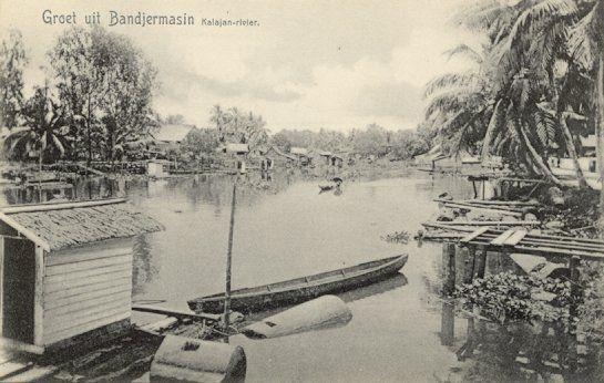 De Kalajan-rivier in Bandjermasin 1880-1920.