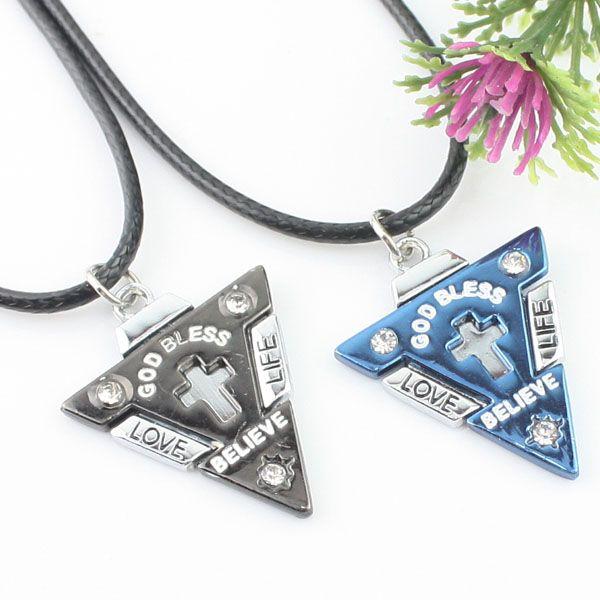 Collier quelques alliage triangulaire