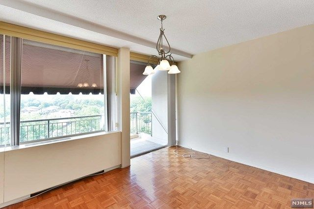 View Property Details For 3 Horizon Rd 1219 Fort Lee Nj 3 Horizon Rd 1219 Is A Co Op