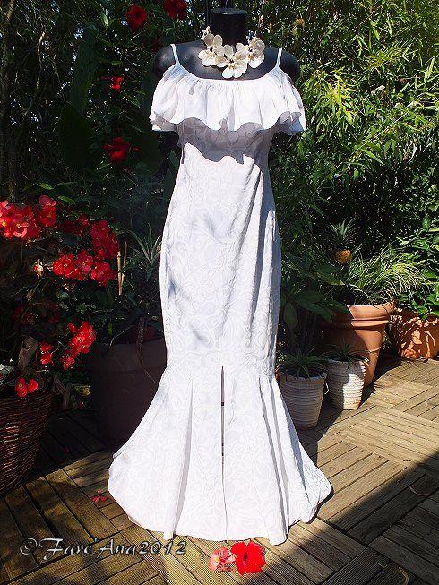 » Robe de Mariée Tahitienne à Volants et Bretelles en Pareo Blanche avec Fente Sur l'Avant taille S fare'ana » Blog Archive