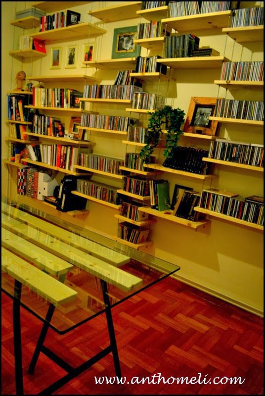DIY desk and bookcase Ανθομέλι: Βιβλιοθήκη από το....ταβάνι κα ενα γραφείο.