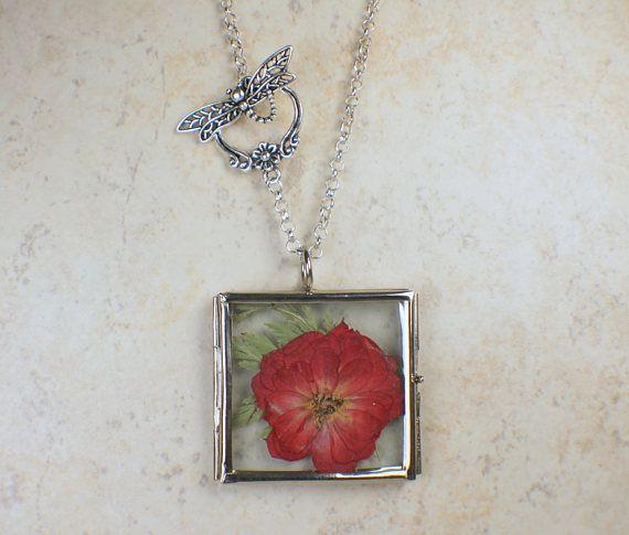 Gepresste Blume Medaillon, rote Blume Medaillon, Terrarium Medaillon, Glas Medaillon, Anhänger, getrocknete Blumen-Anhänger Blume