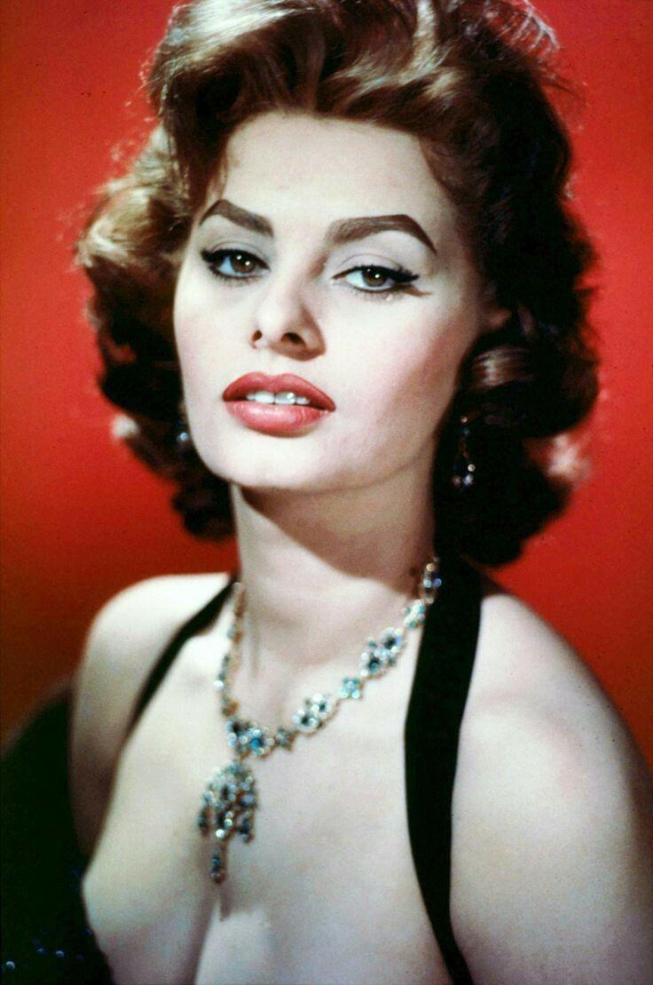 1695 best Sophia Loren...