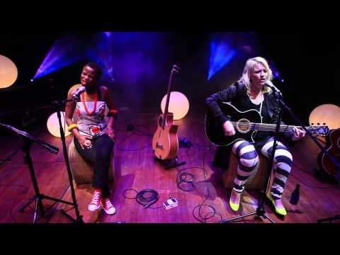 BAD ROMANCE (Lady Gaga) - Karen Zoid & Zolani Mahola (Freshlyground)