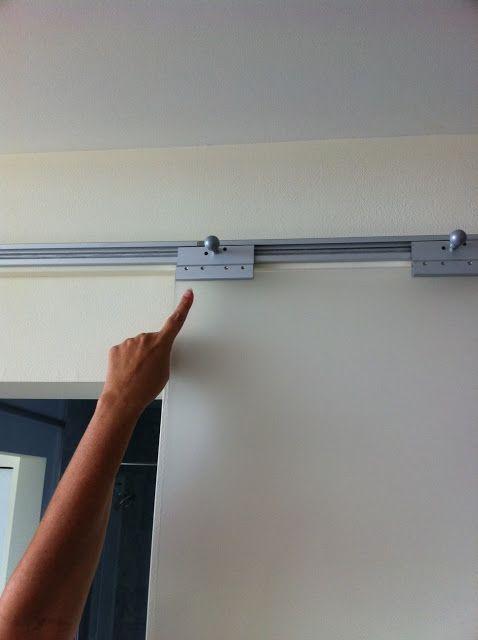 Ikea: Pax-Schienen für Schiebetüren.