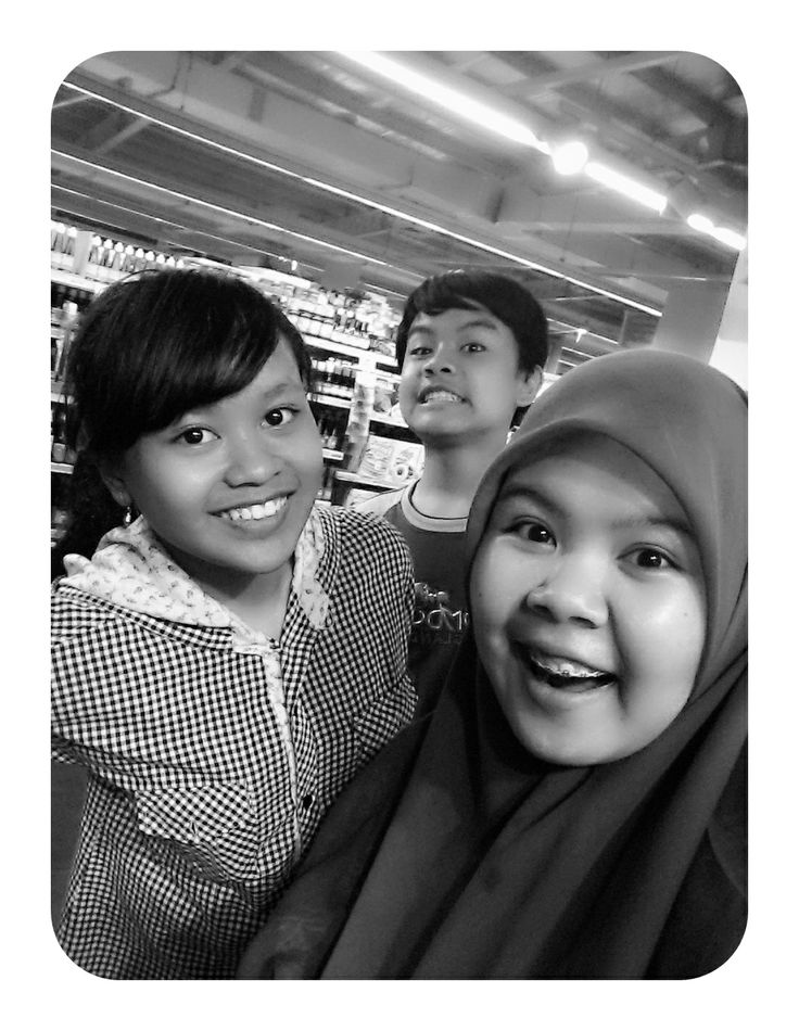 ba! we're the trio! I do always miss this moment, they're my treasure xoxo *hug and kiss*