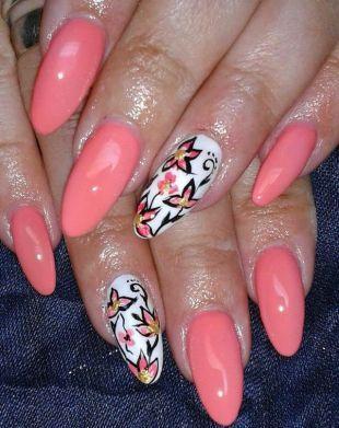 Нарощенные ногти, нежный розовый маникюр с цветочками