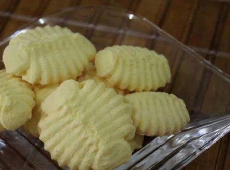 Biscoito de Amido de Milho - Veja como fazer em: http://cybercook.com.br/receita-de-biscoito-de-amido-de-milho-r-7-110082.html?pinterest-rec