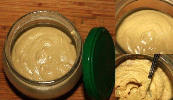 Домашняя горчичка: горчичный порошок 50 г.,   уксус 1 ч.л.,   масло растительное 1 ст. л.,      мёд 1 ч. л.(поддерживает крепость горчицы)   молоко 150 г. (не даёт горчице стареть. Не скиснет, так как горчица убивает кисло-молочную микрофлору),   щепотка соли