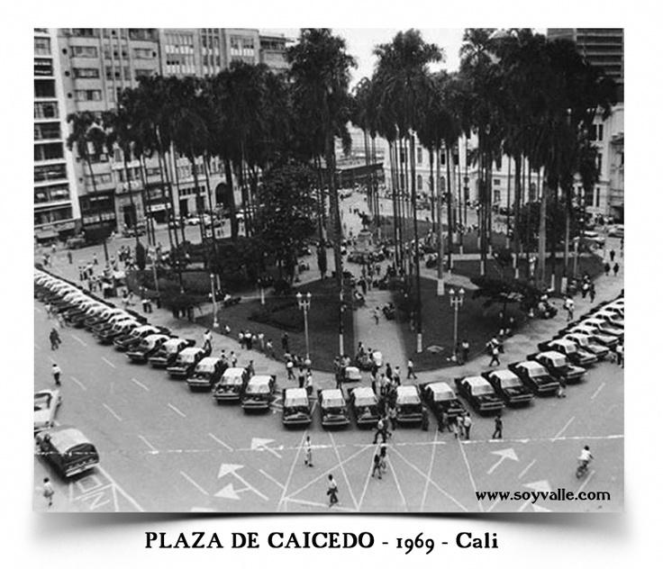 plaza de caicedo de Santiago de Cali en el año de 1969