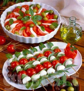 Lajos Mari konyhája - Mozzarellás paradicsomsaláta és -nyársak