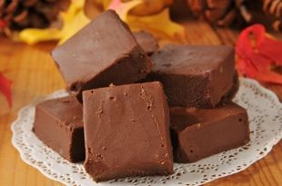 Slow-Cooker-Fudge