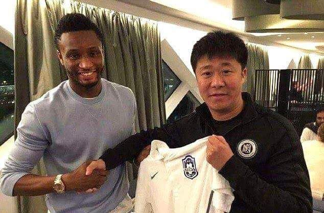 [TRENDING SPORT] Mikel Obi moves to China   Nigeria football team captain John Mikel Obi has become the latest ex-Premier League star to move to the Chinese Super League after his transfer to Tianjin TEDA was confirmed on social media.  A picture was shared on Chinese website Webo of former Chelsea midfielder Mikel shaking hands with a Tianjin club official and holding the club's shirt.  Mikel who had been frozen out of Chelsea's first team this season with N'Golo Kante Nemanja Matic…