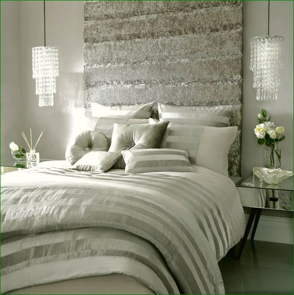 17 Best Ideas About Hollywood Glamour Bedroom On Pinterest