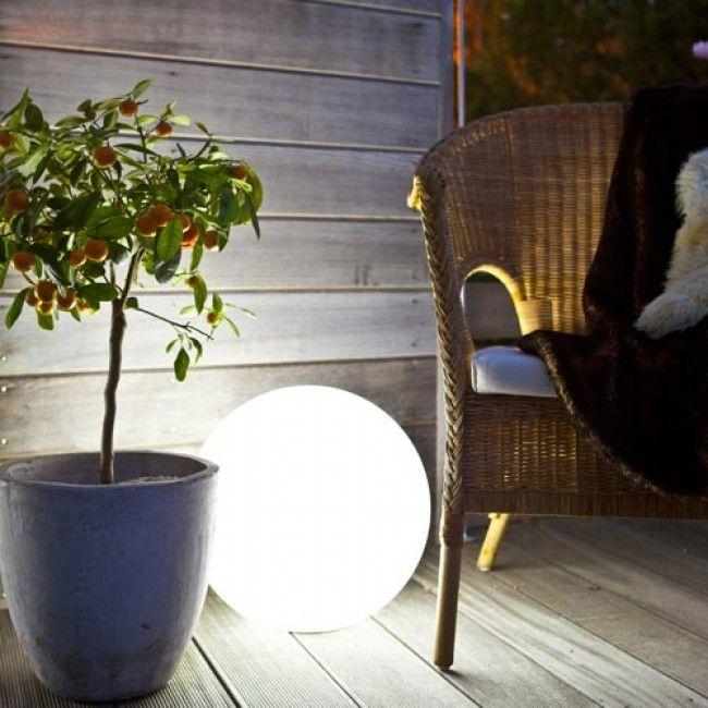 GP Moodlite Globe 250. #buildor #lampa #pool #lamp #trädgårdsbelysning #sommar #summer