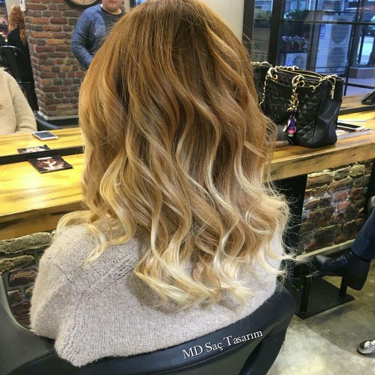 Ne renk ombre istersiniz? Mavi, yeşil, mor, pembe, sarı, gri.. Bu sizin zevkinize ve tercihinize göre değişir. Önemli olan doğal bir görüntü ile bunu sağlamak.👍👍 #ombre #mavi #blue #hair #izmir #sacmodeleri #sactrendleri #instahair #instagood #hairstyle #hairdresser #hairdesign #hairstylist #hairs #saç #sactasarim #ombrebalayage #ombrehair #mdsactasarim