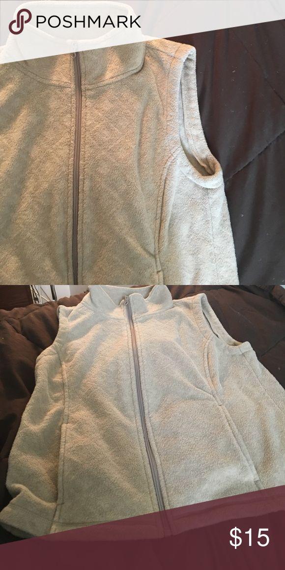 Laura Scott petite vest Excellent condition Laura Scott Jackets & Coats Vests