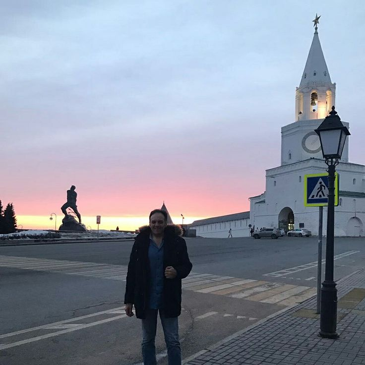 Beautiful sunset in #Kazan with magnificent view of the #WhiteKremlin, beautiful city to discover with very nice people. Would like to always come back there! #newfriends   -------------------------------- www.litricomoda.com ✂ --------------------------------  #lucalitrico #sartorialitrico #nofilters #bespoketailor #theglobetrottertailor #hautecouturemasculine #handmadeinitaly #russia #roma #trueluxuryisthepleasureofchoice