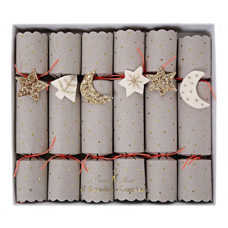 Christmas Crackers Tradition aus England von MeriMeri- Niedlich dekorierte Knallbonbons Mond und Sterne für Weihnachten und Silvester. #merimeri #weihnachten #christmascrackers #weihnachtstradition #mypaperset #silvester #knallbonbons