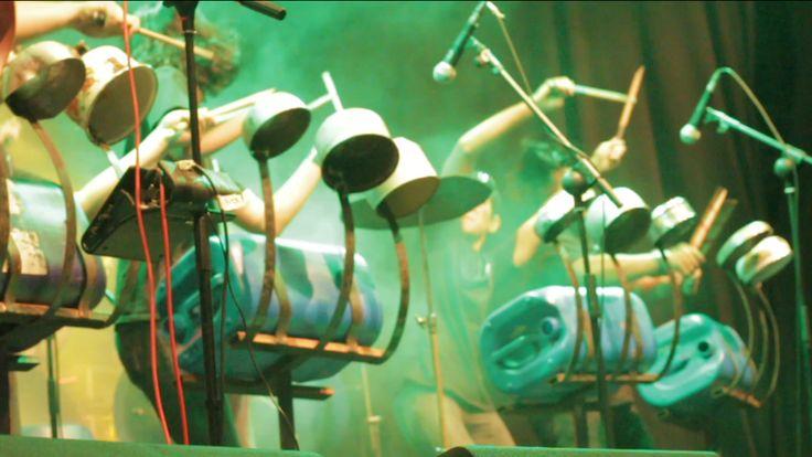Melanjutkan posting sebelum nya, tentang perkusi, perkusi barang bekas adalah permainan perkusi yang memakai media tidak umum, memakai barang barang bekas seperti barang dapur, panci, kaleng, gento…