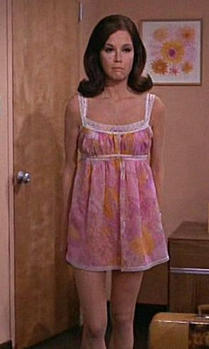 1972 Nightie worn by Mary Tyler Moore in Her TV Show Late Vintage  Actresses  Summer dresses