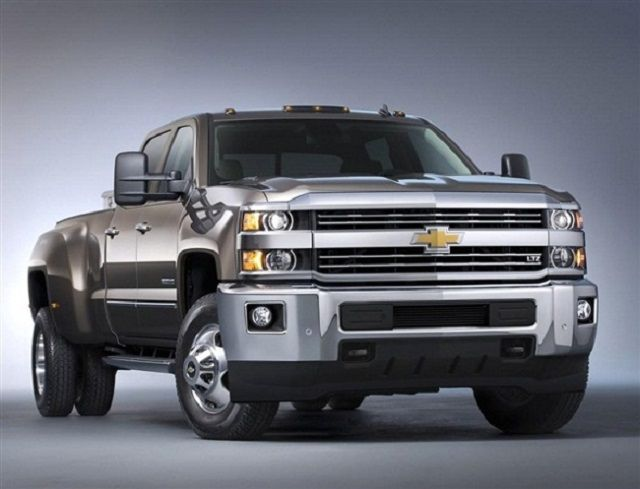 2017-Chevy-Silverado-2500HD-front-view
