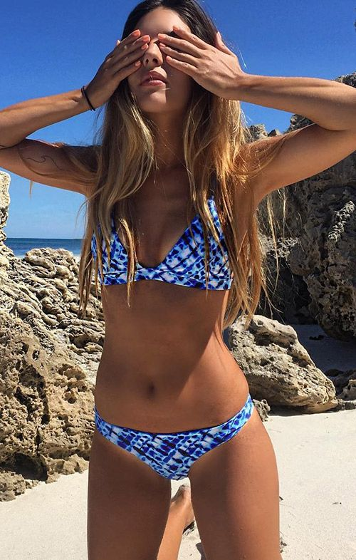 We're so in the mood for heated summer! Blue can help us cool down in the long hot summer. Don't go on an island getaway without this bikini set.