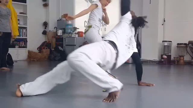 #capoeira #卡波耶拉 #카포에라 #재미있는 #피트니스  #운동하는남자 #운동하는여자