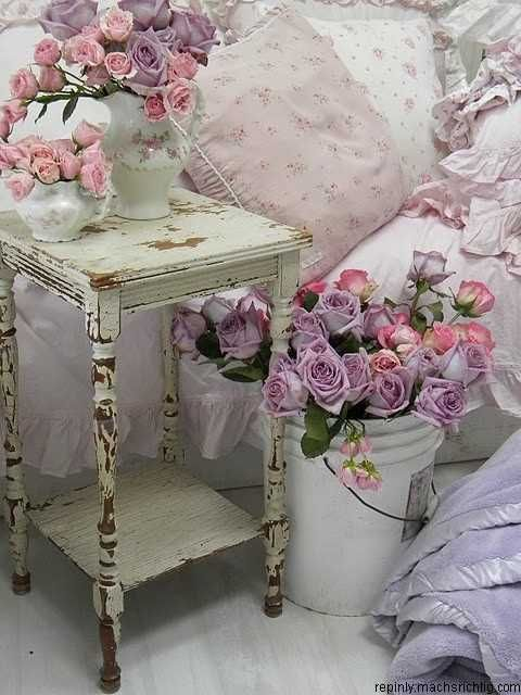Love the colors! And of course the shabby chique with roses.