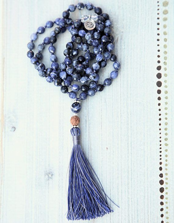 Rudraksha Mala/108/beaded/Sodalite/Clear