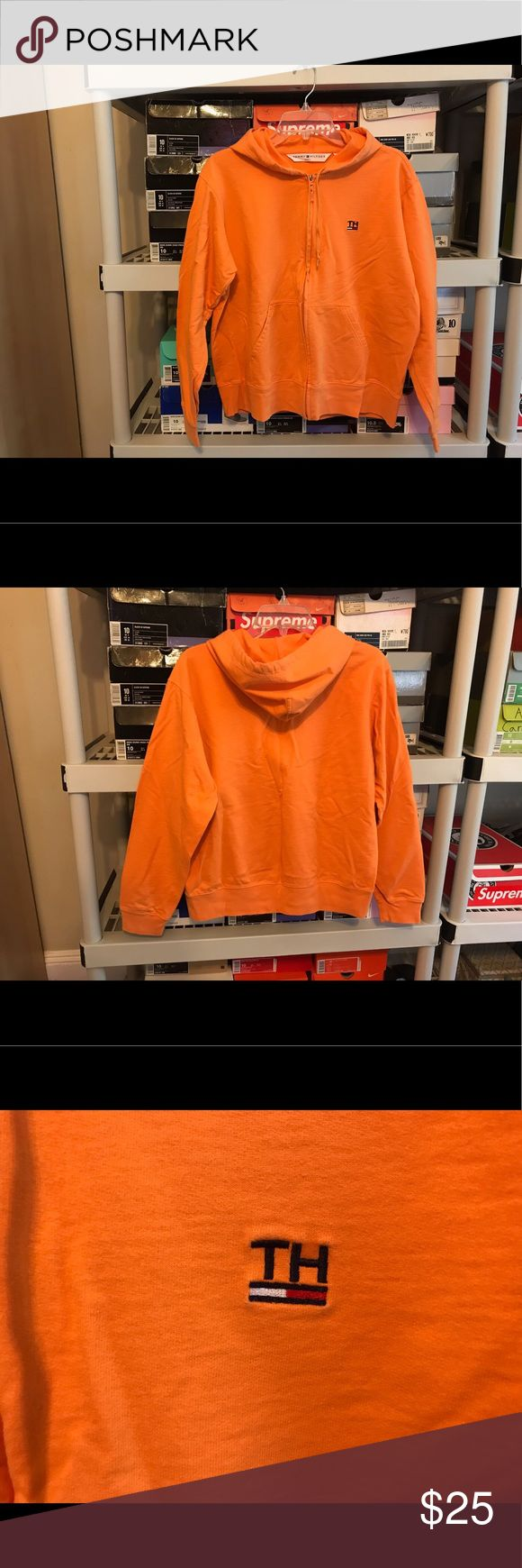 Vintage Tommy Hilfiger Women's Orange Hoodie Sz L Vintage Tommy Hilfiger Women's Orange Spell Out Logo Zip Up Hoodie Sweater   Size Large (refer to measurements)  Good condition!  Pit To Pit: 22 inches  Neck To Bottom: 23 inches  All measurements are taken with items laying flat!  If you have any questions please message me thanks!  Check out my other listings! Tommy Hilfiger Sweaters