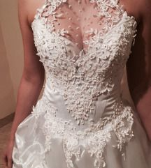 Hófehér esküvői ruha