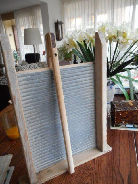 Online veilinghuis Catawiki: antiek wasbord met Houten knijper