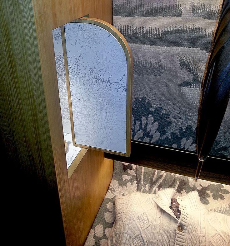 Le musée des Arts Décoratifs à Paris accueillent AD Intérieurs 2014 - Le dressing d'un dandy de Tristan Auer - Les Arts Décoratifs - Niche en carrelage Raku de Kaolin Créations