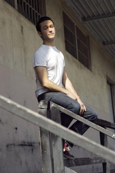 fine... you just sit there and look amazing :) Joseph Gordon-Levitt