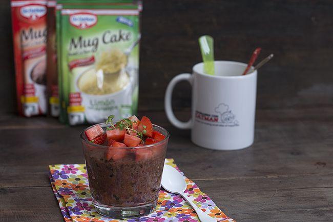 Probamos el Mug cake Dr. Oetker, un bizcocho rápido a la taza en el microondas. Un pequeño capricho listo en algo más de un minuto.