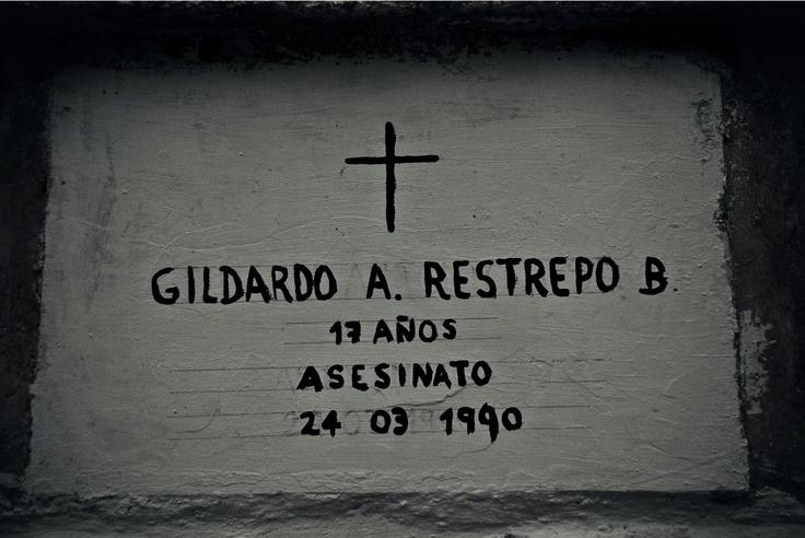 Ángeles en el limbo (XVI)  Crédito: Rodrigo Grajales, 2012.