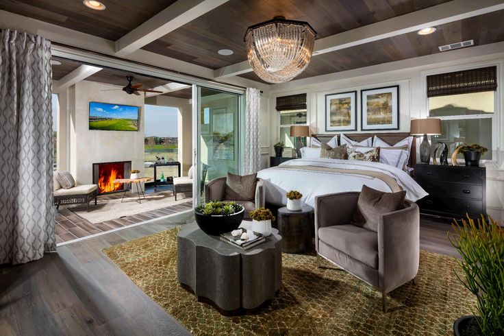 Wake up in paradise! (Romana at Gale Ranch, CA)