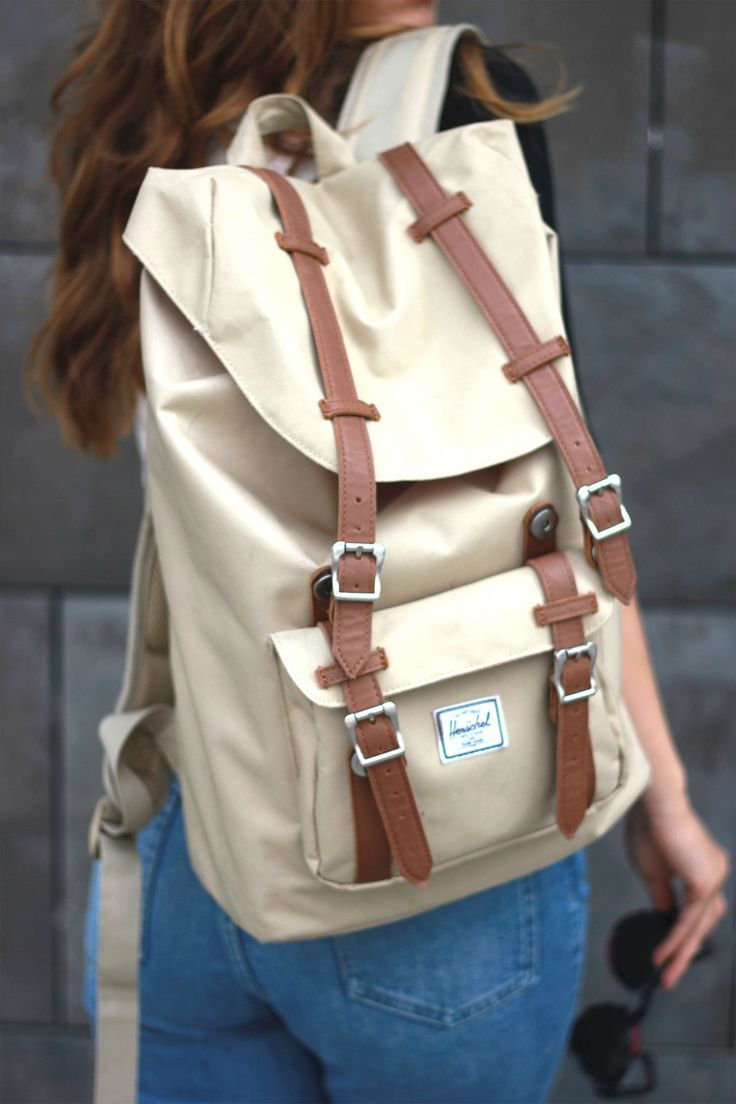Fashionblogger: Herschel Backpack Beige