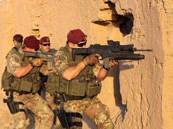 so Good Guys.....Italian Army (FOLGORE)