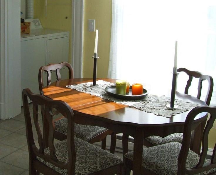 Kijiji Belle Table Antique Avec Chaises 225 Negociable